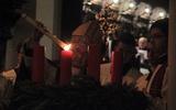 Już pierwsza świeca płonie...