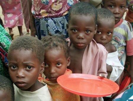 Jak pomagać Afryce? - www.gosc.pl
