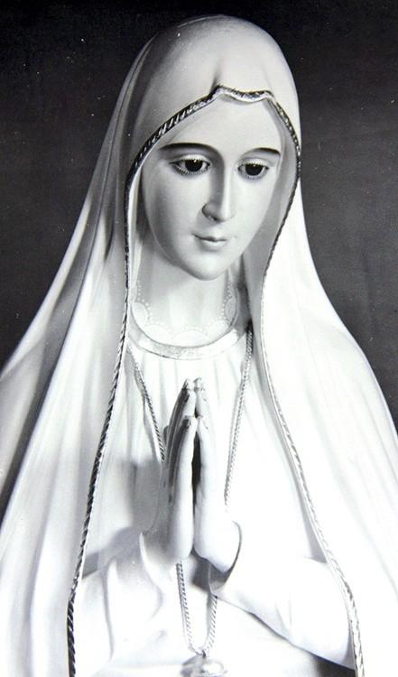 c59580051bf7b9 Będzie z nami wierna kopia figury Matki Bożej Fatimskiej, którą poświęcił  papież Paweł VI.