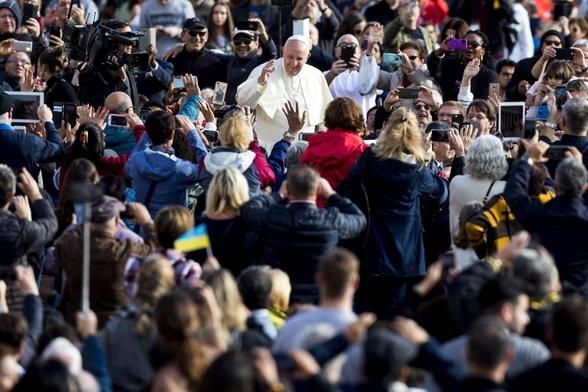 Franciszek podczas audiencji generalnej