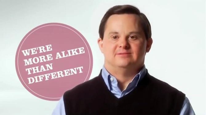 Mówca motywacyjny z zespołem Downa porusza Amerykę